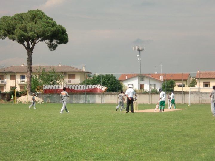 Una fase di un incontro di cricket